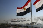 L'Egitto mostra al mondo il nuovo faraonico Canale di Suez