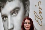 """""""Forever"""", un francobollo per ricordare per sempre Elvis Presley - Foto"""