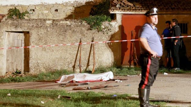 fucili esplosi, Potenza, rappresentazione, Sicilia, Cronaca