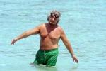Renzi in famiglia, Berlusconi in Sardegna: politici in ferie - Foto
