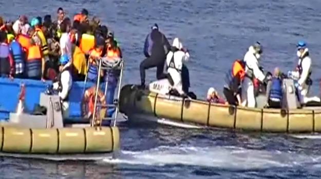 immigrazione, Lampedusa, migranti, naufragio, soccorsi, Sicilia, Cronaca