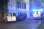 Auto si ribalta dopo lo scontro, tre feriti a Palermo