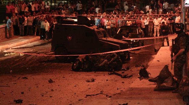 bomba, istanbul, sparatoria, Turchia, Sicilia, Mondo