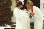 """Kate, Charlotte e la nonna Diana... la foto """"impossibile"""" commuove il web"""