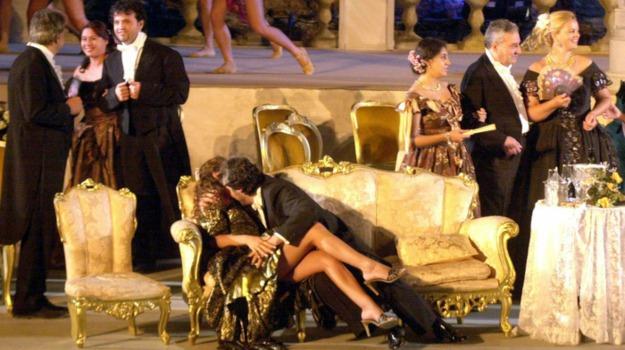 la traviata, soprano nuda, teatro antico taormina, Messina, Cultura