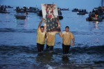 Baia di Cornino, la Madonna sbarca accolta dai fedeli