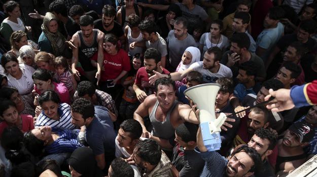 ffrontiera, immigrazione, Kos, migranti, polizia, scontri, Sicilia, Mondo