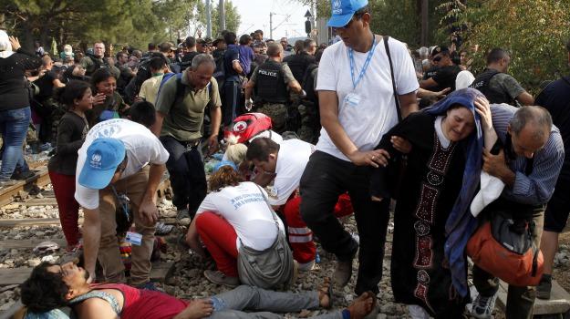 Macedonia, migranti, skopje, Sicilia, Cronaca
