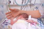 Nasce con la sindrome di down, abbandonata dai genitori in ospedale
