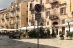 Isola pedonale a piazza Olivella, a Palermo la movida «invade» anche la chiesa
