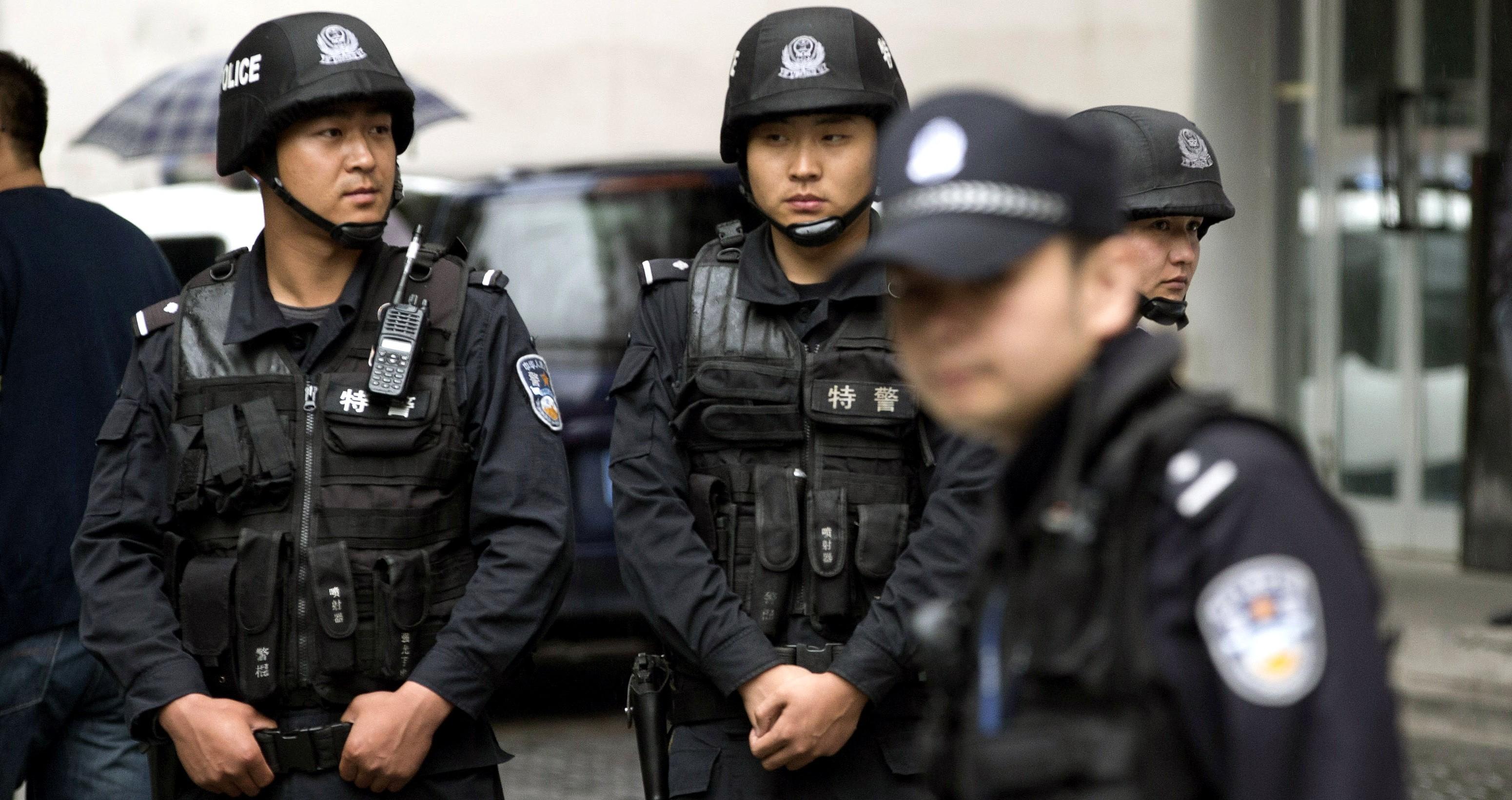 Cina, esplosione davanti all'ambasciata americana di Pechino: diversi feriti