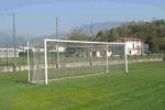 Travolta dalla porta di un campo di calcio, muore bimba di 5 anni