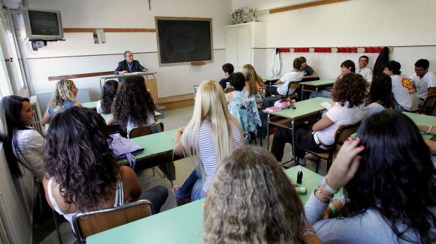 aggressione, catania, scuola, Catania, Cronaca