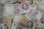 """Messina, 174 milioni di lire in botte di vino: ma la banca dice """"no"""" al cambio"""