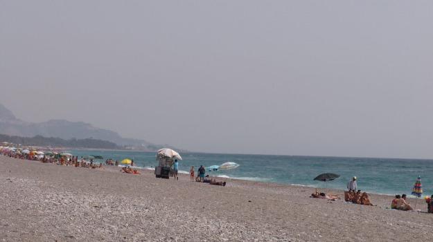 bambino, fiumefreddo, morte, spiaggia, Catania, Cronaca