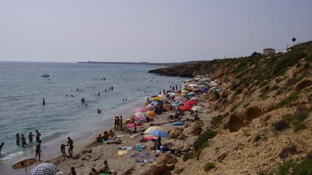 Oristano, Sardegna, spiaggia, Sicilia, Cronaca
