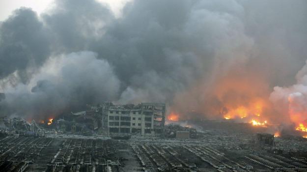 CINA, dirigente accusato, esplosioni, suicida, Tianjin, Sicilia, Mondo