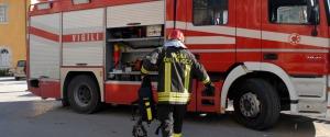 Incendio in un negozio di biciclette a Ragusa, ferito il titolare