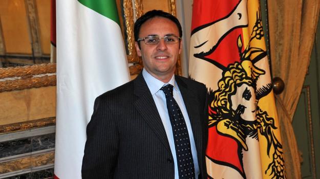dimissioni figuccia, tetti stipendi ars, Gianfranco Miccichè, Vincenzo Figuccia, Sicilia, Politica