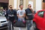 Carte di credito clonate, blitz a Palermo: gli arrestati escono dalla questura - Video