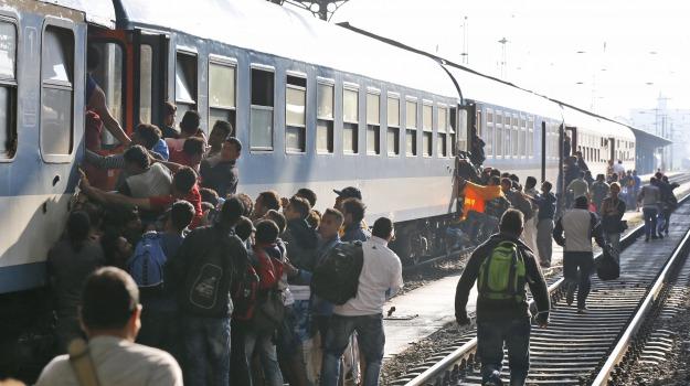 Crisi, emergenza, immigrazione, migranti, pentagono, Russia, Sicilia, Cronaca