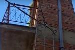 Solo 100 centimetri per battere ogni record: si trova a Petralia Sottana la casa più stretta del mondo