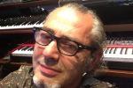 Dal pop anni '80 al futuro, arriva il nuovo album di Luca Carboni
