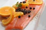 Salmone, spinaci, aglio: tutti i cibi che aiutano a vivere più a lungo - Foto