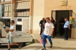 Senzatetto occupano uffici comunali a Palermo: il video dello sgombero