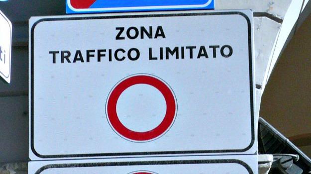 pd, ztl, Palermo, Politica