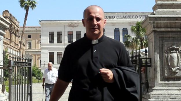 scomunica don minutella, Corrado Lorefice, don Alessandro Minutella, Papa Francesco, Palermo, Cronaca