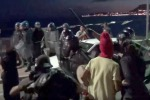 Migranti sulla costiera, sgomberato presidio a Ventimiglia - Video