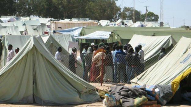 bimbo, croazia, migranti, profughi, tentato suicidio, Sicilia, Mondo