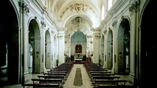 Chiesa, lite, messina, rissa, Messina, Cronaca