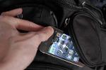 Ruba un cellulare incustodito in un bar a Palermo, denunciato