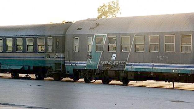 incendio, treno, vagoni, Siracusa, Cronaca