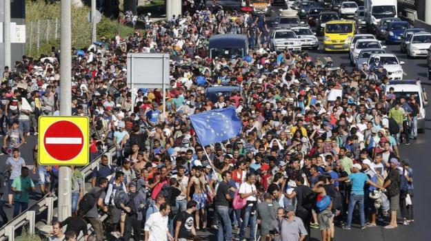 Austria, bus, frontiere, germania, migranti, Ungheria, Sicilia, Cronaca