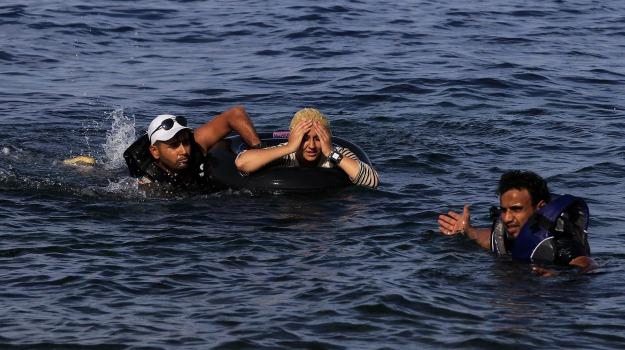 immigrazione, migranti, naufragio, Sicilia, Cronaca