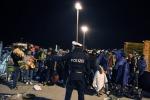 Migranti, la Danimarca sblocca i treni verso la Germania