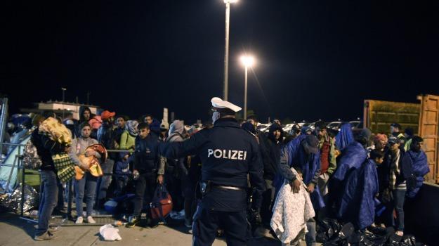danimarca, germania, migranti, treni, Sicilia, Cronaca