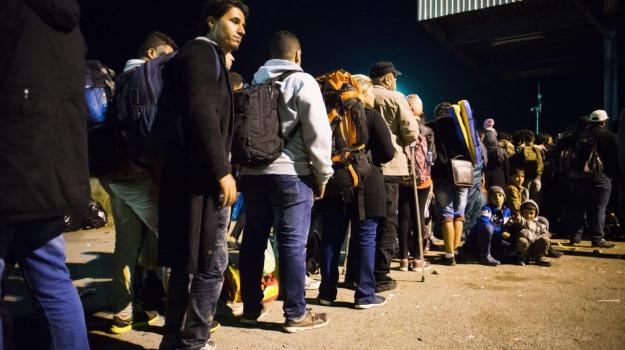 Grecia, immigrazione, Lampedusa, Sicilia, Cronaca