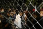 L'Ungheria stringe sui migranti: aiutare gli irregolari diventerà reato