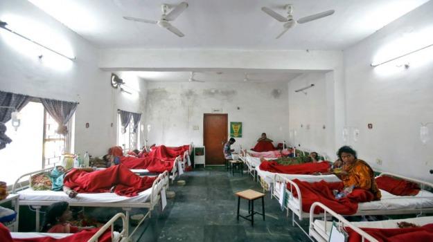 bimbo, dengue, genitori suicidi, india, ospedale, Sicilia, Mondo