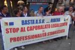 """Palermo, fiaccolata per dire """"no"""" al precariato - Video"""