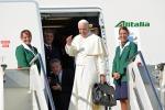 """Papa Francesco è arrivato a Cuba: """"Il mondo è assetato di pace, si fugge dalla guerra"""""""