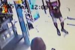 Rapinano parafarmacia nello stesso giorno, due arresti - Video