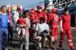 Più di 700 migranti sbarcati a Catania, tra loro 130 minori