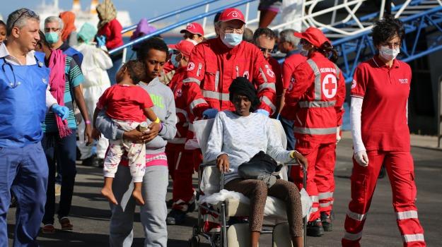 catania, emergenza, migranti, minori, sbaroc, Sicilia, Catania, Cronaca
