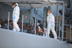 Sbarcano a Palermo oltre mille migranti, a bordo della nave anche dieci salme