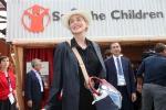 """Con la borsa """"targata"""" Obama, Sharon Stone conquista Expo"""